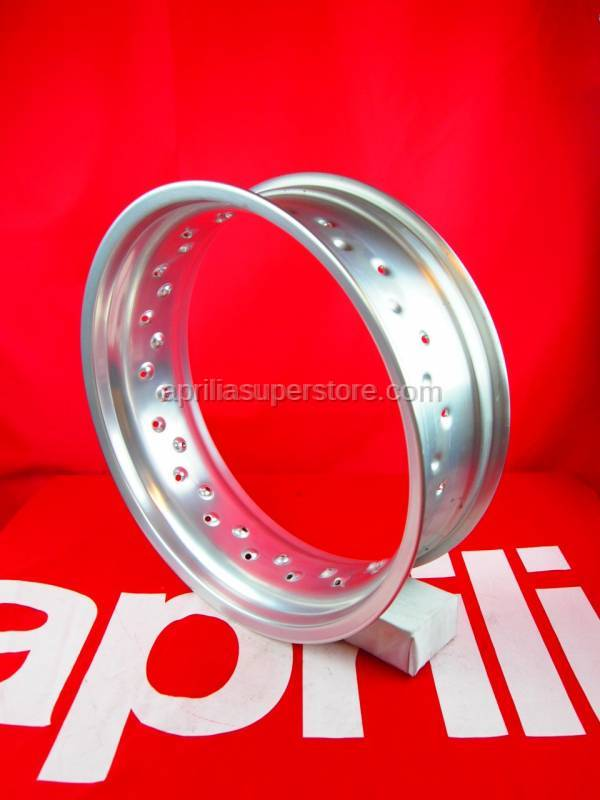 Aprilia - Rear wheel 2,15X18